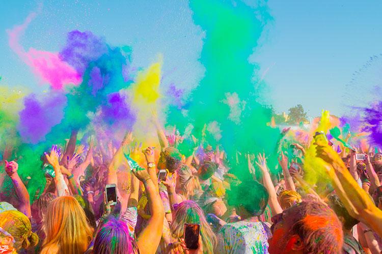fiesta holi colores